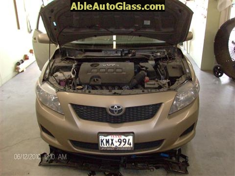 Toyota Corolla 2009-2011 Acoustic Windshield - cowl and windshield wipers removed