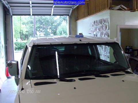 Toyota FJ Cruiser 07-10 Windshield Replacement Another View