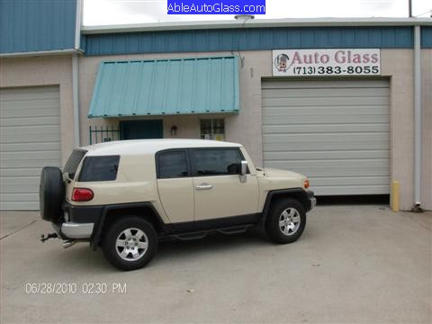 Toyota FJ Cruiser 07-10 Windshield Replacement Arrived at Shop