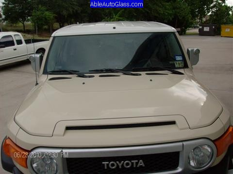 Toyota Fj Cruiser 07 10 Windshield Replacement Front View Outside