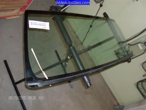 Toyota FJ Cruiser 07-10 Windshield Replacement New Windshield with Bottom Molding Attach