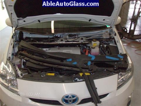 Toyota Prius 2010-2011 Windshield Replaced - cowl removed