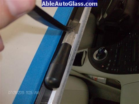 Toyota Prius 2010-2011 Windshield Replaced - trimming old seal