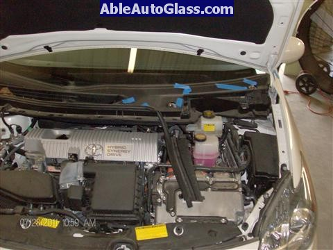 Toyota Prius 2010-2011 Windshield Replaced - wipers removed
