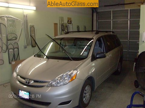 Toyota Sienna Windshield Replace - all complete