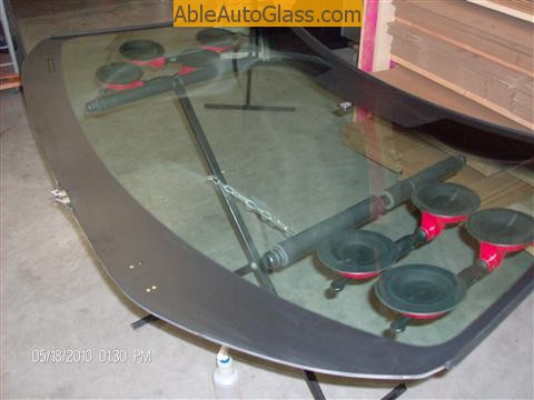 Toyota Sienna Windshield Replace - suctions cups installed